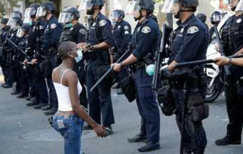 POLICE BRUTALITY E INCARCERAZIONE DI MASSA NEGLI STATI UNITI D'AMERICA – INTERVISTA A PIETRO INSOLERA